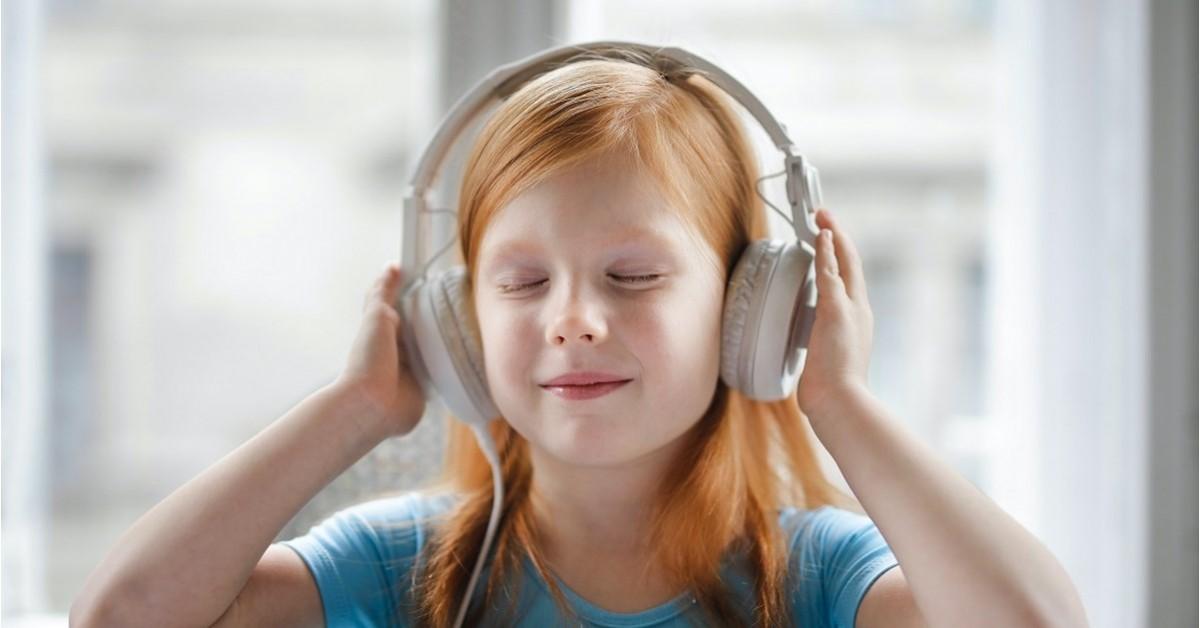 5 motive pentru care orice copil ar trebui să asculte cărți audio