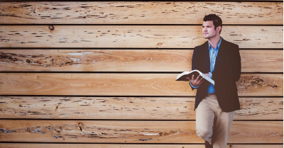 9 cărți esențiale pentru a deveni un marketer de succes
