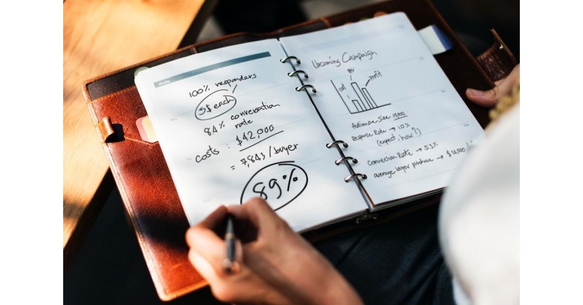 Cum poți să obții libertatea financiară, indiferent dacă habar n-ai sau ești un expert în investiții