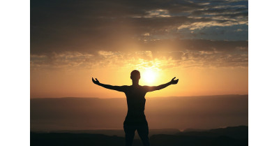 Cum să devii mai bun pe orice plan prin schimbarea obiceiurilor zilnice?